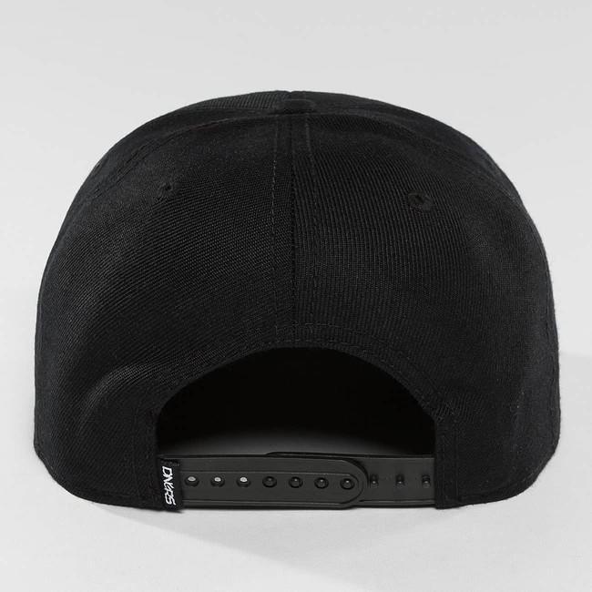 Dangerous DNGRS / Snapback Cap Topping in black